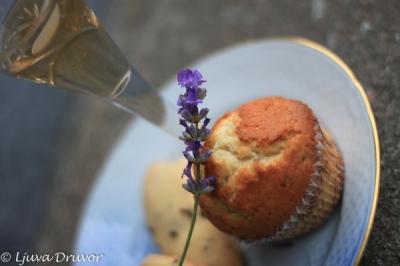 Lavendelsnaps och fikabrö